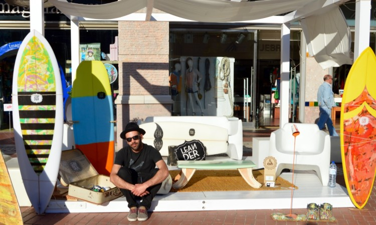 Shaper Leandro Simões from the Algarve is known for his retro surfboards models (®PauloMarcelino)