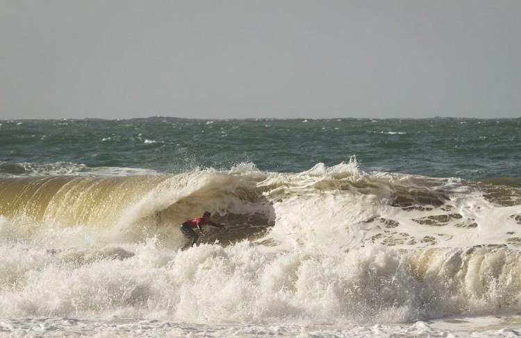 Mar em Sesimbra esteve forte, 'batido' pela tempestade que assolou Portugal durante o fim-de-semana (®SCS)