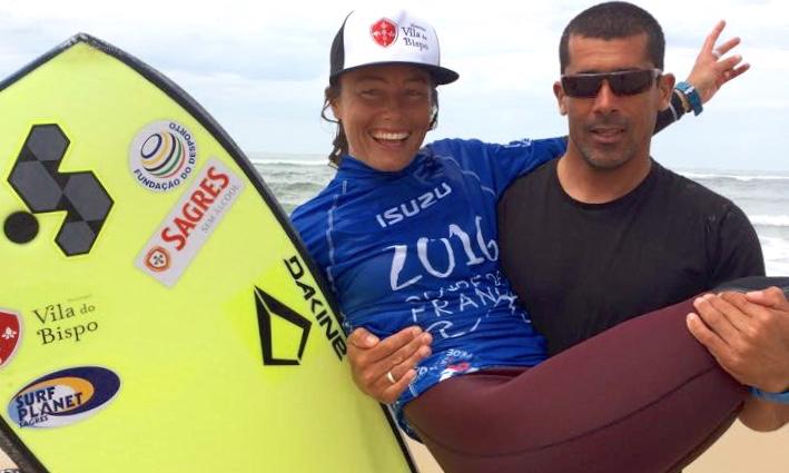 Joana Schenker com o companheiro, Francisco Pinheiro, instantes após a vitória no La Salie Pro, este sábado, em França (®ESF)