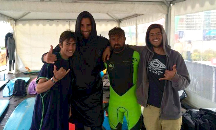 Equipa do Clube de Surf de Faro na etapa CNLongboard 2016 no Porto (®DR)