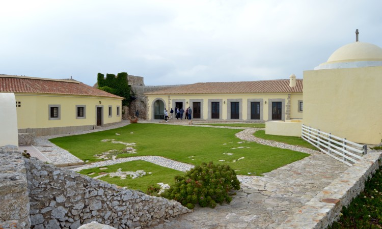 Contrato foi assinado esta quinta-feira no Forte do Beliche, em Sagres (®PauloMarcelino)