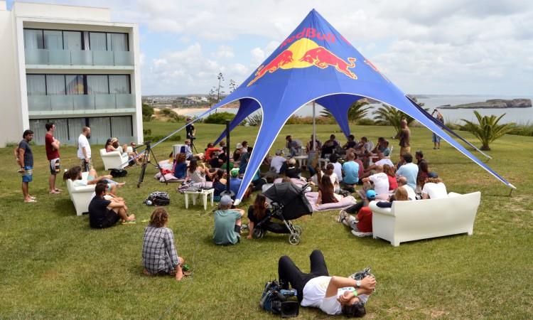 Conversa de Jardim, assim se denomina o encontro informal que habitualmente encerra o Sagres Surf Culture (®PauloMarcelino)