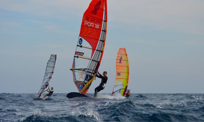 Europeu FW Portimão | Mar forte no Dia 4 (®PauloMarcelino)