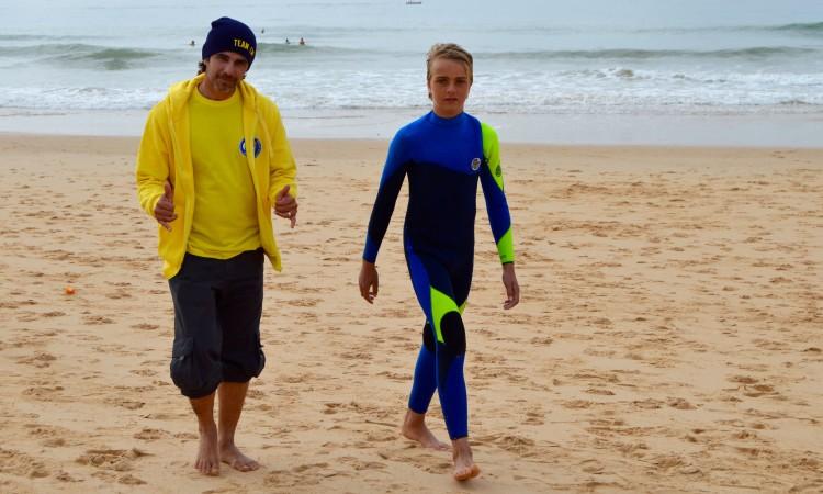 Ivo Anselmo (à esquerda) já venceu por duas vezes o Circuito SCS. É agora treinador de surf do Clube Naval de Portimão (®PauloMarcelino/Arquivo)