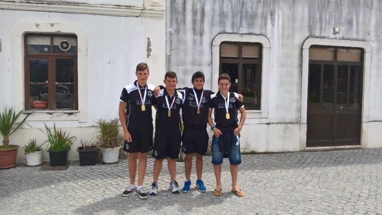 tripulação K4 constituída por Iago Bebiano / Tomás Santos / Mário Cabede e Gonçalo Bento: Medalha de Ouro Cadetes 1000m (®KCCA)