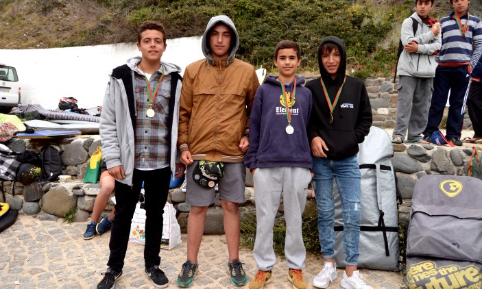 Arrifana   4º Encontro Regional Surf & Bodyboard Escolar   Pódio Bodyboard (®PauloMarcelino)