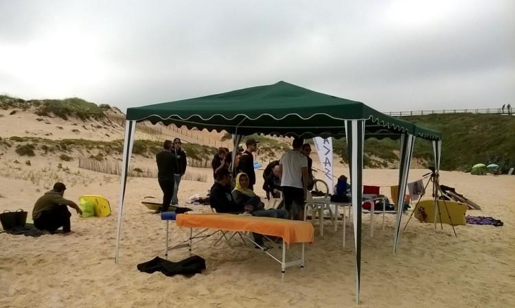 Palanque montado ontem na Praia do Malhão. Vila Nova de Milfontes (®Fisiorider)