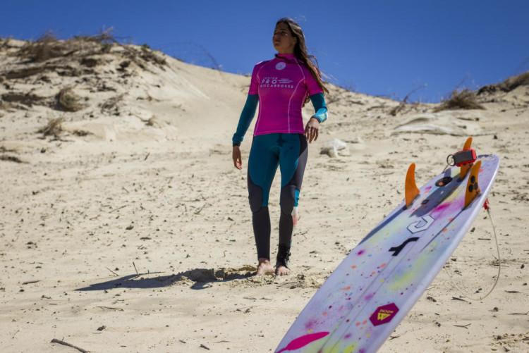 Portuguesa Teresa Bonvalot fez 3º lugar em França e mantém a liderança no circuito (®DamienPoullenot/WSL)