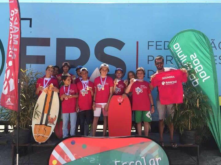 Surfistas de Sesimbra fizeram a festa em Almada (®SurfClubeSesimbra)