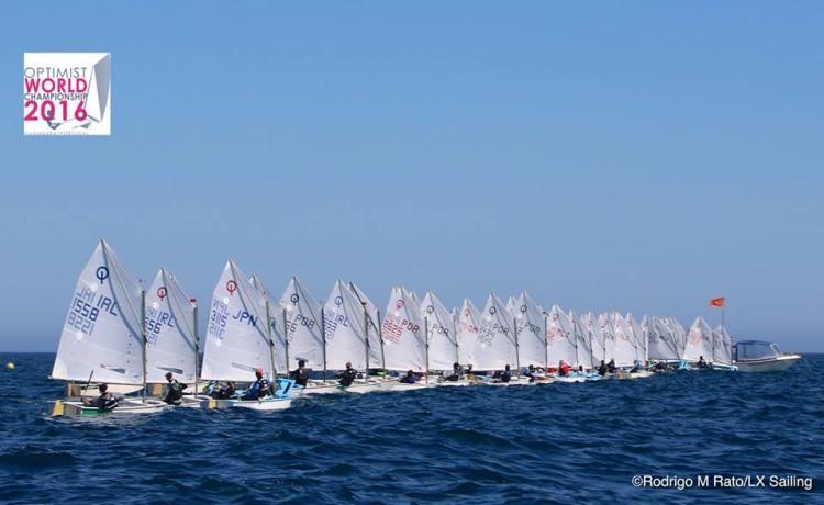 Terceiro evento-teste para o Mundial juntou velejadores de vários países (®RodrigoMRato/LxSailing)