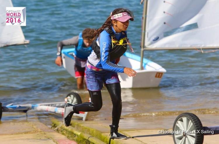 Beatriz Gago terminou em 23º, o segundo melhor resultado português no Vilamoura Trophy. Algarvia vai representar Portugal no Mundial (®RodrigoMRato/LxSailing)
