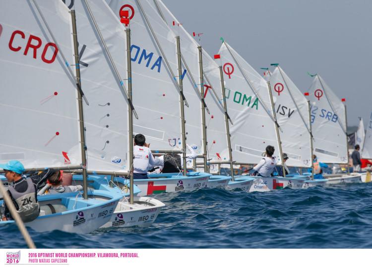 Finais no Mundial de Optimist em Vilamoura começaram esta quarta-feira, com quatro frotas na água (®Matias Capizzano)