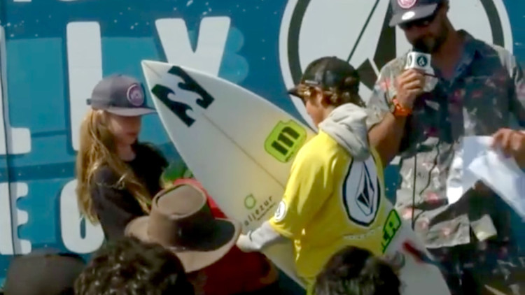 Surfer from the Algarve João Maria Mendonça tooking the podium at Lower Trestles (®screenshot)