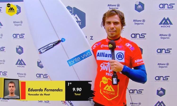 Eduardo Fernandes está a defender o título de campeão da etapa. O atleta do Algarve Surf Clube venceu hoje a sua bateria (®screenshot)