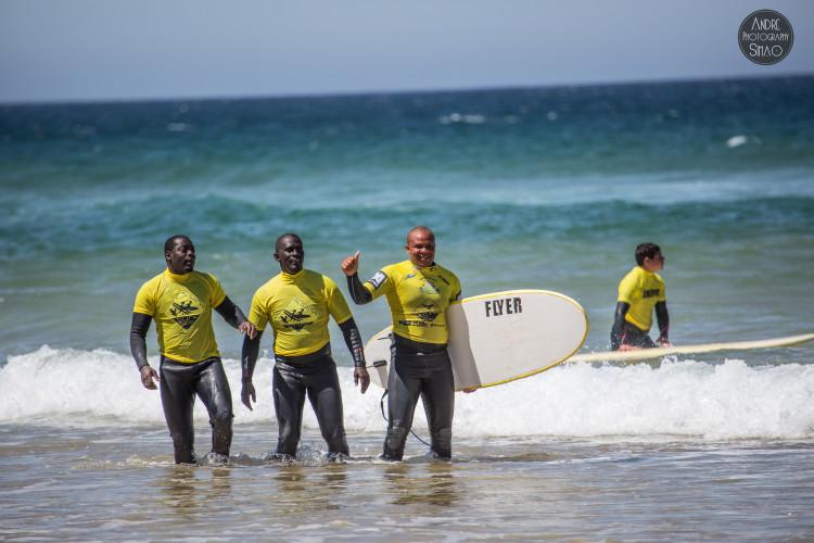Capoeiristas gostaram da experiência e alguns estão a ponderar continuar a ter aulas de surf e bodyboard (®AndreSimao)