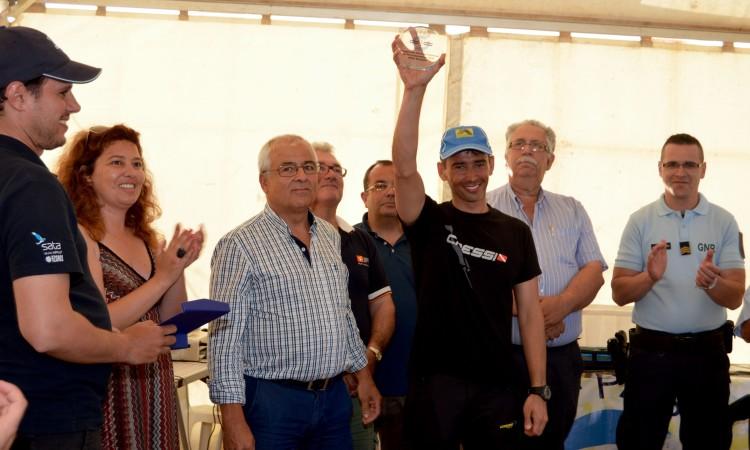 João Peixeiro foi o 'campeão peixe', com um robalo de quatro quilos e meio (®PauloMarcelino)