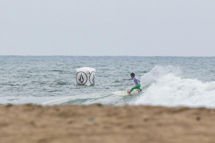 'Martim' Magalhães não se encontrou com o mar e foi eliminado com uma pontuação baixa (®ZacMilan/TCTVolcom)