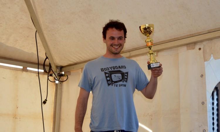 O algarvio Vasco Silva recebeu o troféu Sub-23, categoria na qual é Campeão Nacional (®PauloMarcelino)