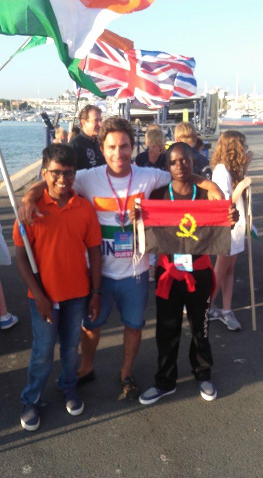 Chitresh Tatha, Frederico Coutinho 'Rato' e Osvaldo Gama, esta tarde, momentos antes do desfile na Cerimónia de Abertura do Mundial (®DR)