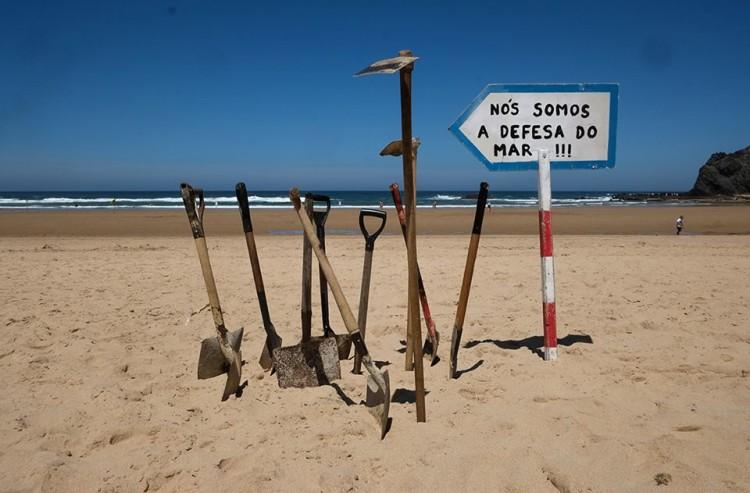 ASMAA - Algarve Surf & Marine Activities Association tem sido o porta-estandarte da oposição `exploração de hidrocarbonetos no Algarve (®ASMAA)