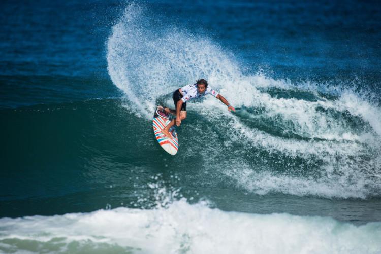 Eduardo Fernandes viaja no início de agosto, para a Costa Rica, para representar Portugal no ISA World Surfing Games (®DR)