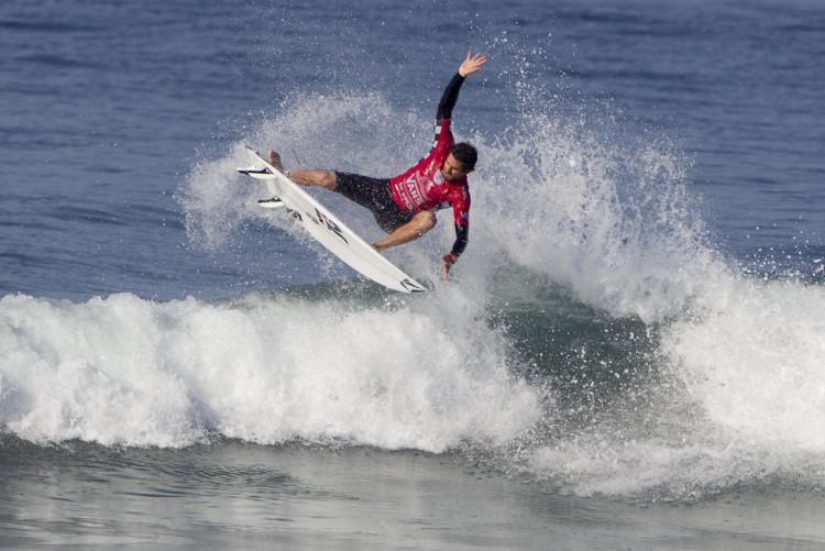 Gony Zubizarreta foi um dos surfistas em destaque no arranque do quadro principal do QS 10.000 (®SeanRowland/WSL)