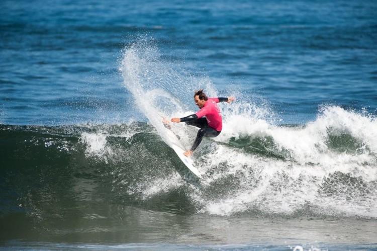 Ivan Bailote encontrou ondas à sua medida na Praia da Barranha (®ToMane)