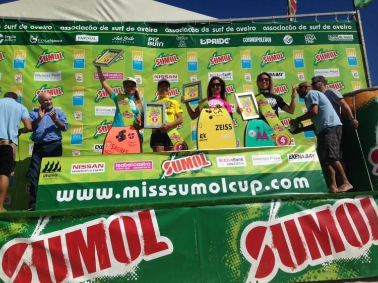 Finalistas protagonizaram uma final muito bem disputada, apesar da forte corrente no mar (®MissSumolCup)