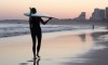 Mazari Zoio é embaixadora de uma forma mais espiritual de estar no surf, em parceria com o 'shaper, Dan Costa, e o fotógrafo e 'video maker' João 'Brek' Bracourt (®screenshot)