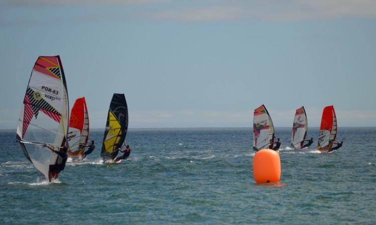 Más previsões de vento para Alvor levaram ao adiamento da prova de Slalom Windsurfing (®PauloMarcelino/Arquivo)