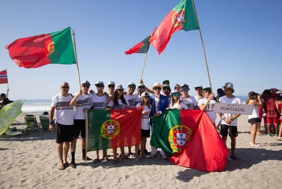 Federação Portuguesa de Surf já escolheu os 12 surfistas para representar Portugal no Mundial Junior, nos Açores, em setembro (®PFS)