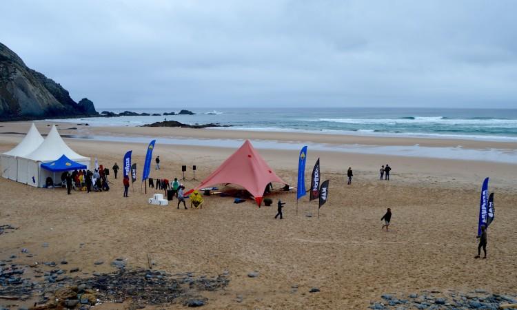 Finalíssima Sub-12 vai realizar-se em Vila do Bispo, dias 1 e 2 de outubro. Praia do Castelejo, que recebeu a última etapa do regional, deve ser o local escolhido (®PauloMarcelino/Arquivo)