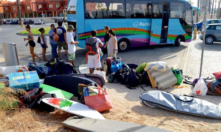Primeiro desafio: arrumar a bagagem. Equipa iniciou a viagem para a Figueira da Foz pelas 10h00 desta terça-feira, 6 de setembro (®PauloMarcelino)