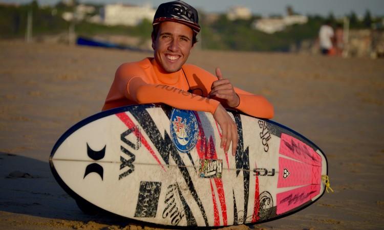 Caráter trabalhador do surfista foi um fator importante para a escolha da Hurley (®PauloMarcelino)