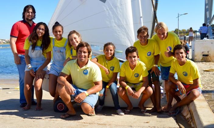 Festa CNPortimão   'Dream Team' Optimist, com o treinador 'Fred' e o presidente Tito Januário (®PauloMarcelino)