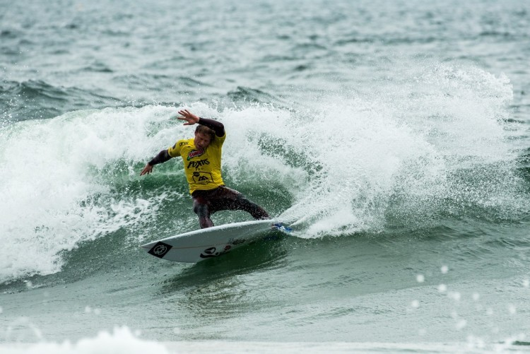 Algarvio Marlon Lipke chega à última etapa Liga Moche no grupo de 5 atletas com possibilidades de conquistar o título nacional de surf (®PedroMestre/ANS)
