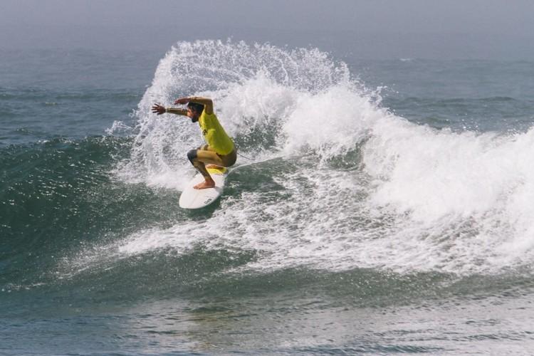 Francisco Canelas fez, no sábado, a melhor onda do dia na Taça. Foi 5º em Surf Open e falhou por pouco a Grande Final (®ABFM)