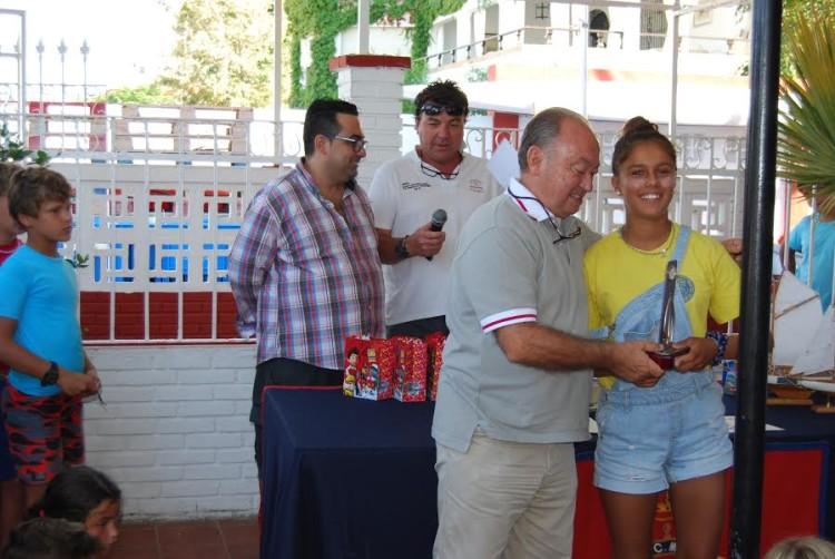 Algarvia Beatriz Gago recebe o prémio de vencedora Feminino em Punta Umbria (®RCMTPU)