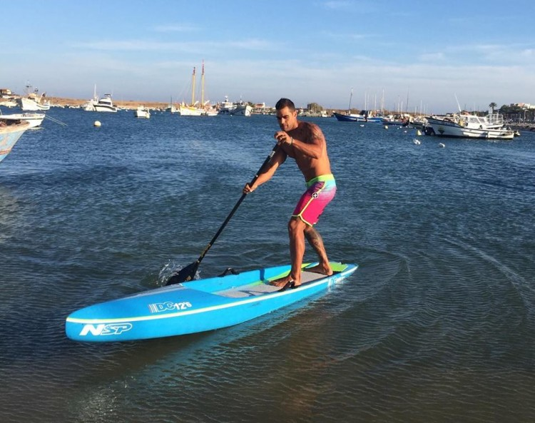 Tiago Dinis já experimentou uma NSP SUP Race 12'6, mas as suas preferidas são as 14' (®NSP)