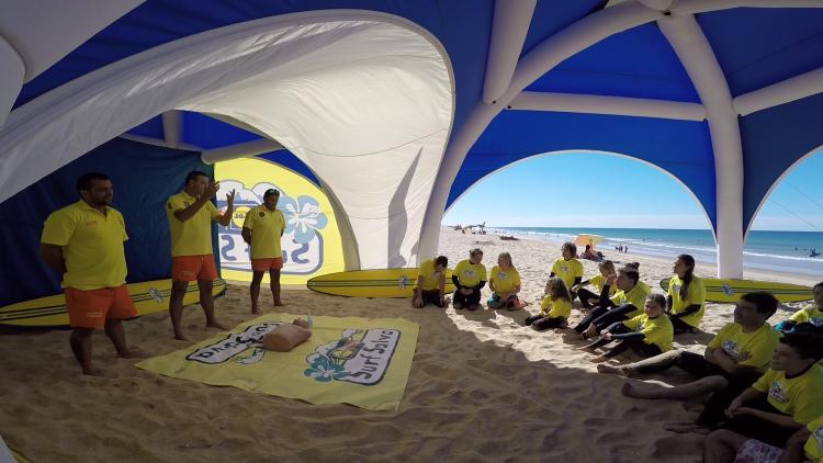 Formação Surf Salva foi à Praia de Faro pela terceira vez este ano (®CSF)