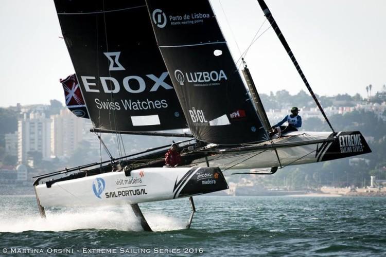 Sail Portugal - Visit Madeira tem algarvio Luís Brito como tripulante. Em Lisboa, equipa venceu uma regata e teve uma colisão (®MartinaOrsini/LloydImages)