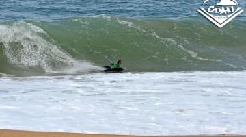Condições difíceis, com quebra-cocos perigosos, na Praia do Sul, Nazaré (®CDAN)