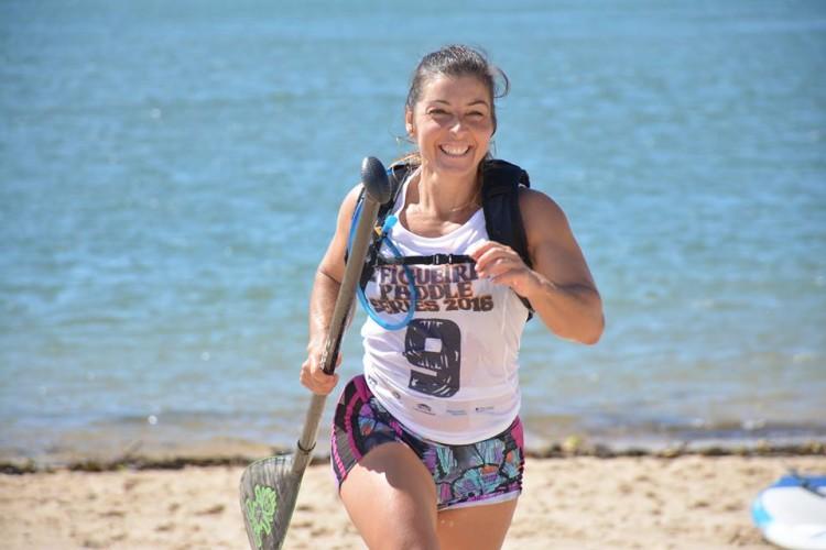 Rute Viegas, de Albufeira, 3ª melhor atleta nacional SUP Race Técnico e ainda na luta pelo 2º lugar final em Race Maratona (®DianaGil)