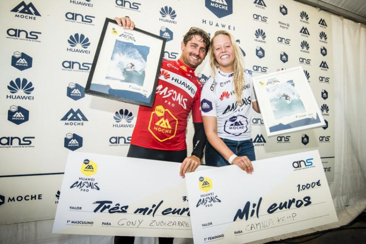 Gony Zubizarreta e Camilla Kemp, os vencedores do Huawei Cascais Pro, última etapa Liga Moche 2016 (®PedroMestre/ANSurfistas)
