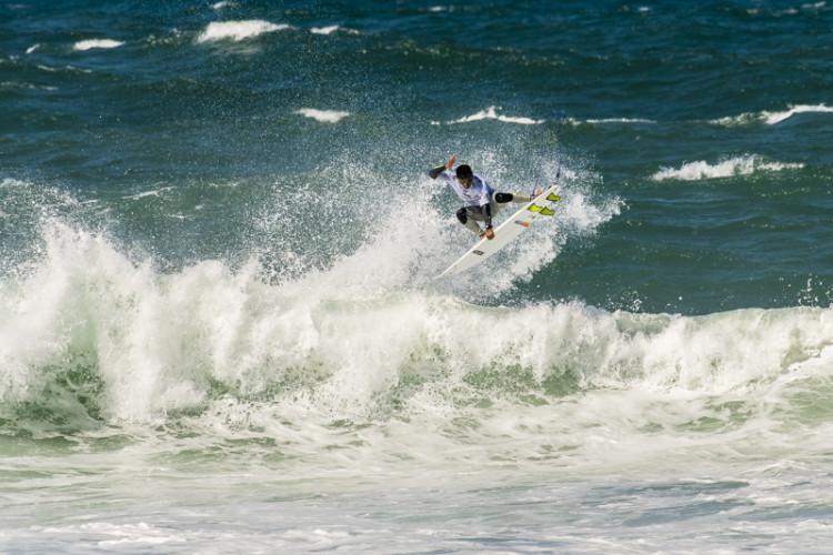 Pedro Henrique fez 3º lugar e ganhou a Expression Session no Guincho, onde foi consagrado campeão nacional de surf open (®PedroMestre/ANSurfistas)