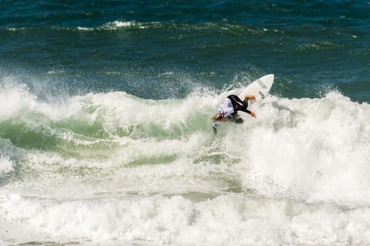Camilla Kemp venceu a etapa e garantiu o 2º lugar no ranking nacional feminino de surf open (®PedroMestre/ANSurfistas)