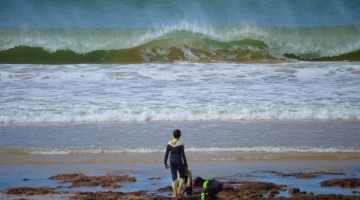 São esperadas boas condições, com swell de Levante, na Galé. Clube vai estrear categoria Espumas (®PauloMarcelino/arquivo)