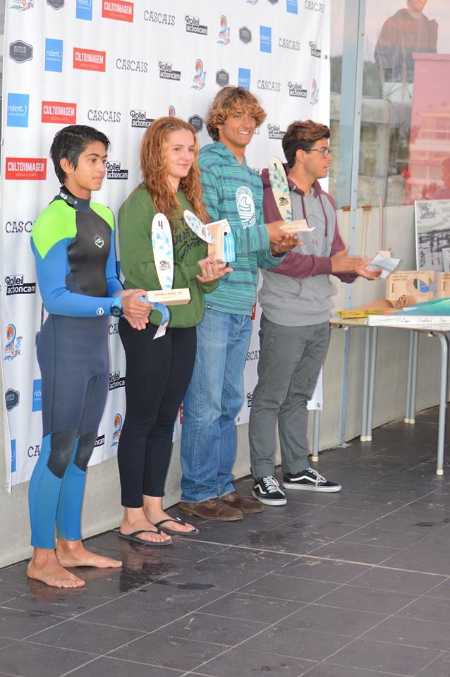 Isaac Felizardo, o mais alto, no 1º lugar do pódio Sub-18. Ao seu lado está o algarvio José Mestre, 3º classificado (®AlbertoFelizardo)