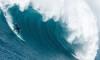 Alex Botelho não perde um swell gigante na Nazaré (®BALEIXOPhotography)