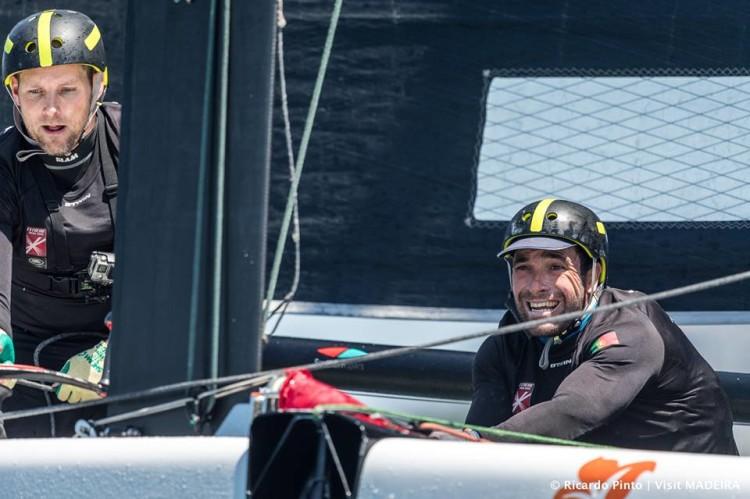 Tom Buggy à esquerda e, à direita, o algarvio Luís Brito, tripulante da equipa desde a primeira hora (®Ricardo Pinto/www.rspinto.com)